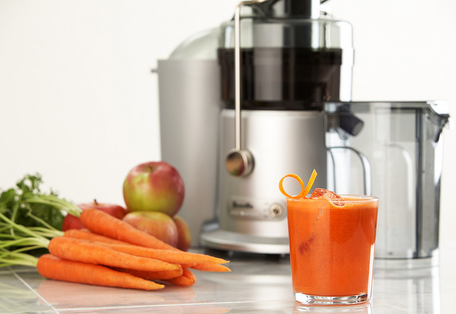 Carrot Apple Ginger Juice 2of3 JE95XL