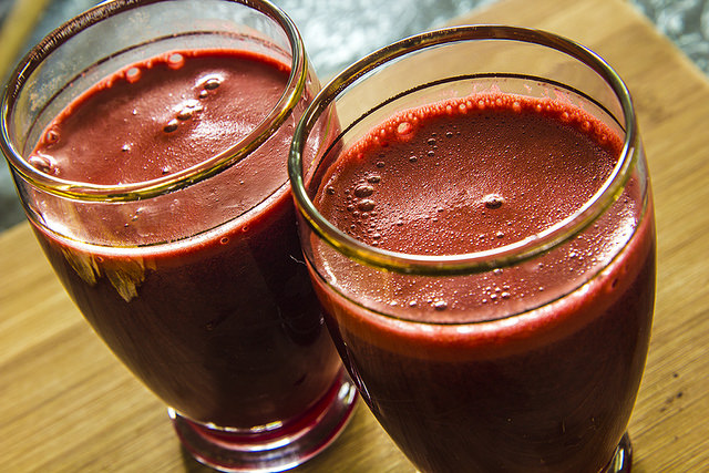 Beet And Carrot Smoothie (How To And Health Benefits)