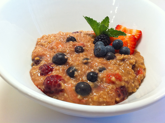 Steel-Cut Oatmeal with Berries 1