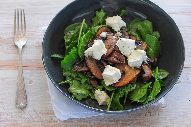 w4 warm mushroom & feta salad