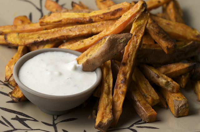 Rosemary Garlic Sweet Potato Fries