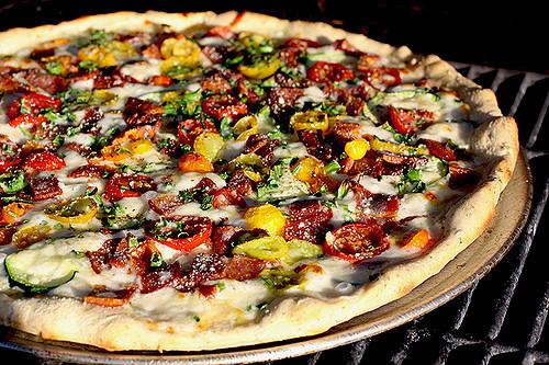 colored tomato pizza 058 120 dpi unsharp