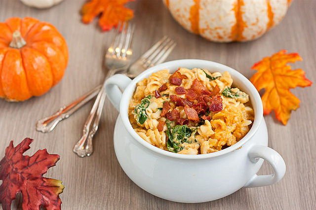 Slow Cooker Pumpkin Mac and Cheese-SustainingthePowers-1