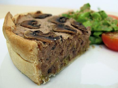 mushroom, leek and white bean pie | pastel de champiñones, puerro y judías blancas